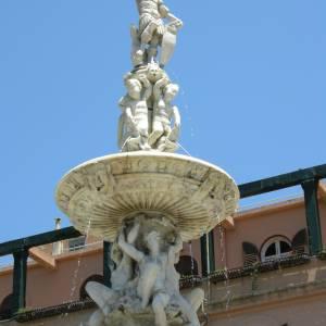 MESSINA: LA MONUMENTALE FONTANA DI ORIONE